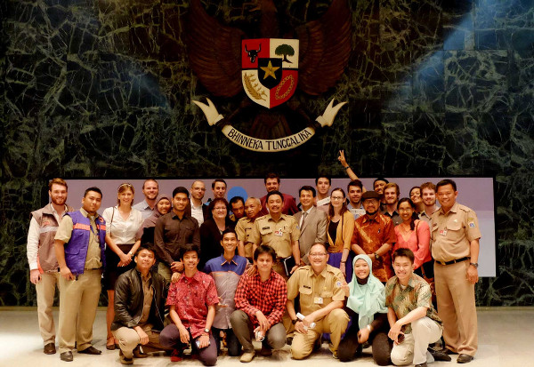 Photo 08. PetaJakarta.org Team, including University of Wollongong Student Flood Support Team and members of BPBD DKI Jakarta and Twitter, following the launch at City Hall, December 2014.
